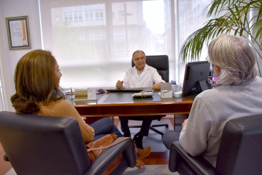 Carlos Freire Bazarra - Laser ginecológico CO2 en A Coruña - Consulta Ginecólogo A Coruña,